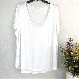 Nordstrom BP white V-Neck short sleeve tee shirt